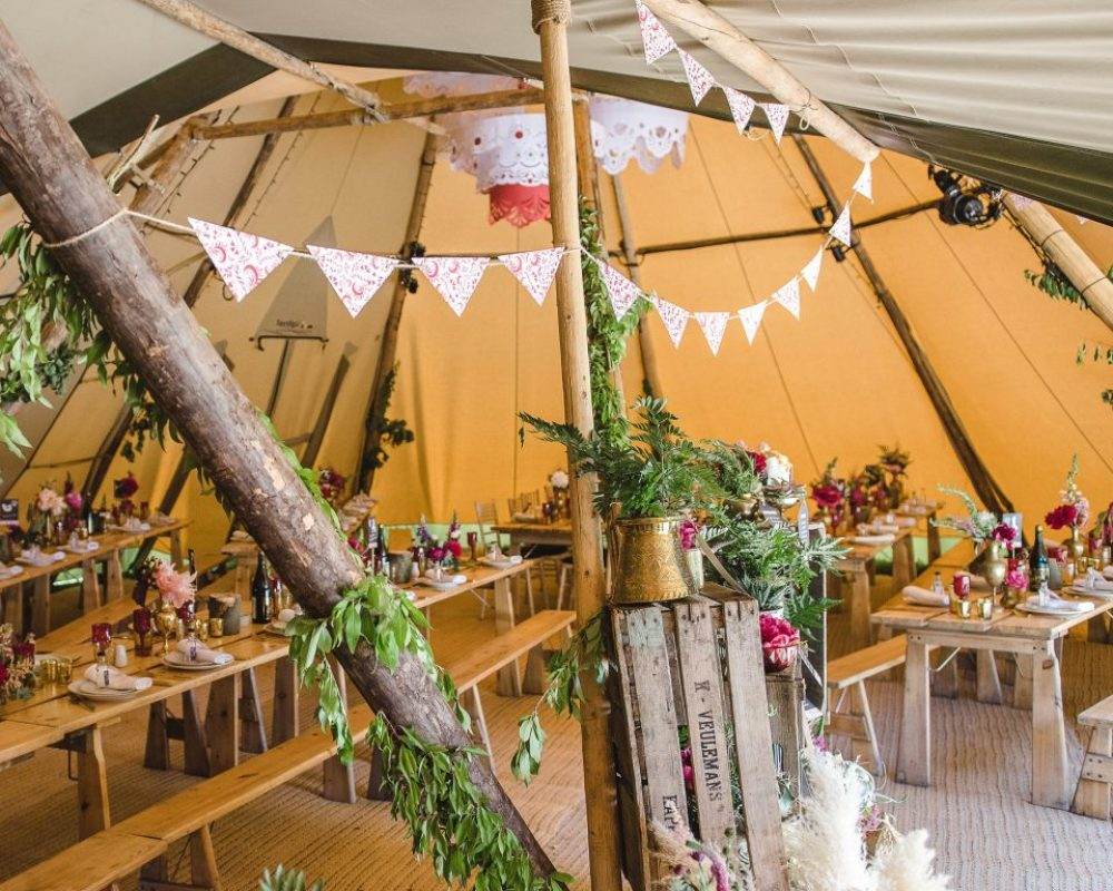 folk-inspired-tipi-wedding