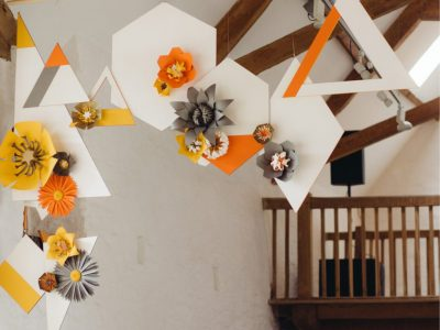 gemoetric-wedding-backdrop-orange