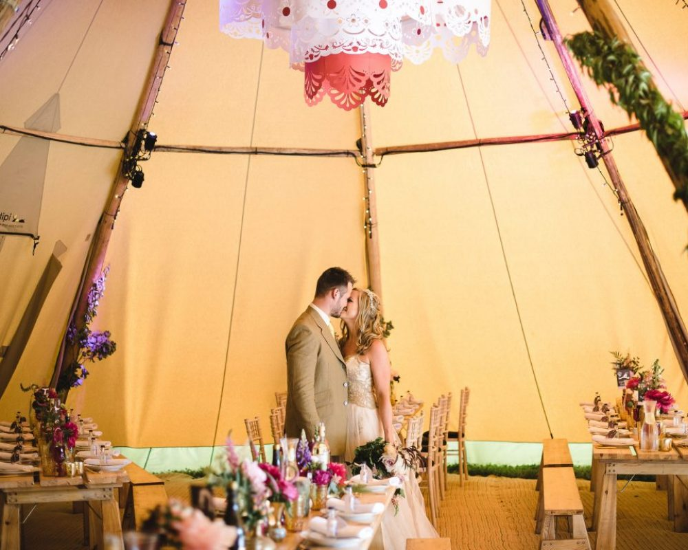 tipi-wedding-decorations